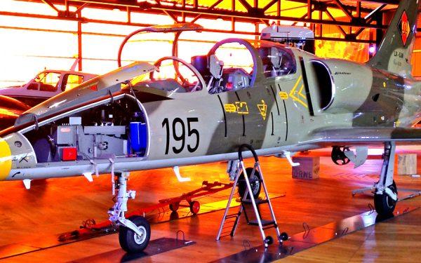 Bild: Aero L39 LX-SJW