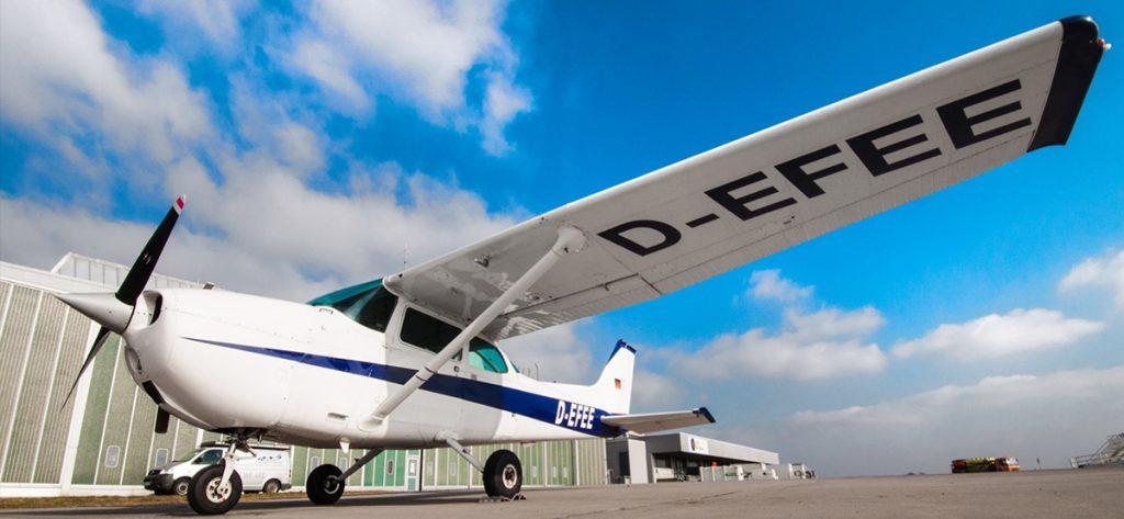 Bild: Außenansicht Cessna 172 D-EFEE