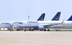 Bild: Lufthansa-Flugzeuge