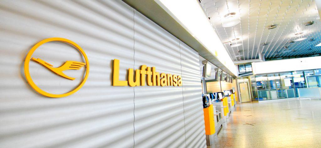 Bild: Lufthansa-Schalter am Flughafen