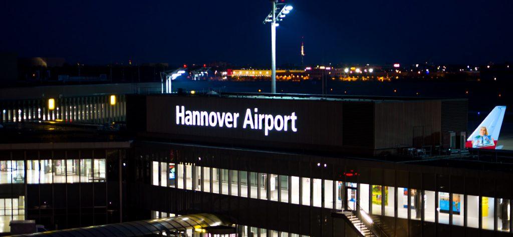 Bild: Flughafen Hannover nachts