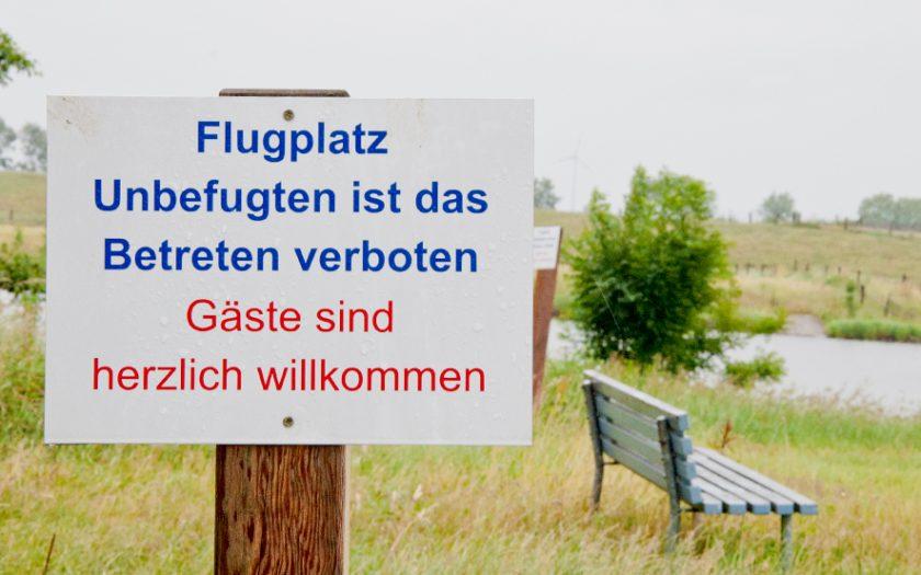 Hinweisschild Betreten verboten