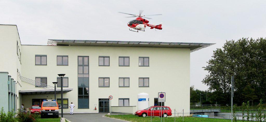 Bild: Hubschrauber am Krankenhaus Nienburg