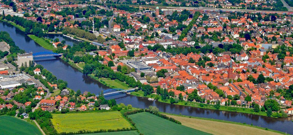 Bild: Luftbild Nienburg Totalansicht