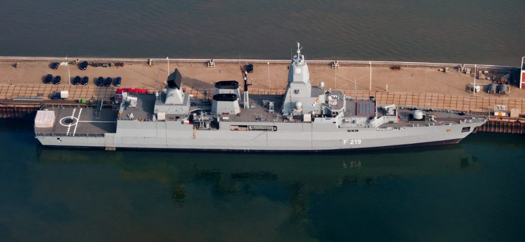 Bild: Luftbild Fregatte Sachsen