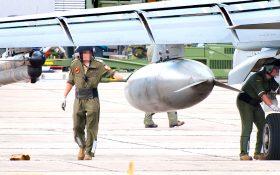 Bild: Soldat mit Zusatztank