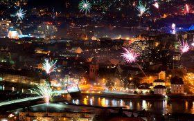 Bild: Silvester-Feuerwerk in Hameln