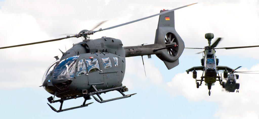 Bild: Hubschrauberformation