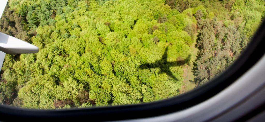 Bild: Schatten eines Flugzeugs