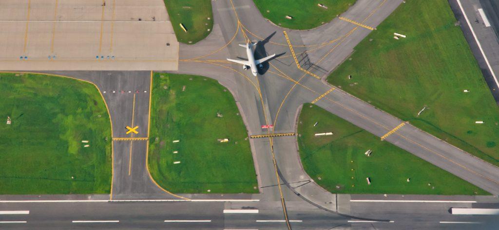 Bild: Luftbild-Totale am Flughafen Hamburg