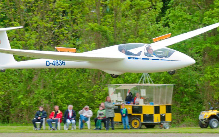 Bild: Segelflugzeug im Flug